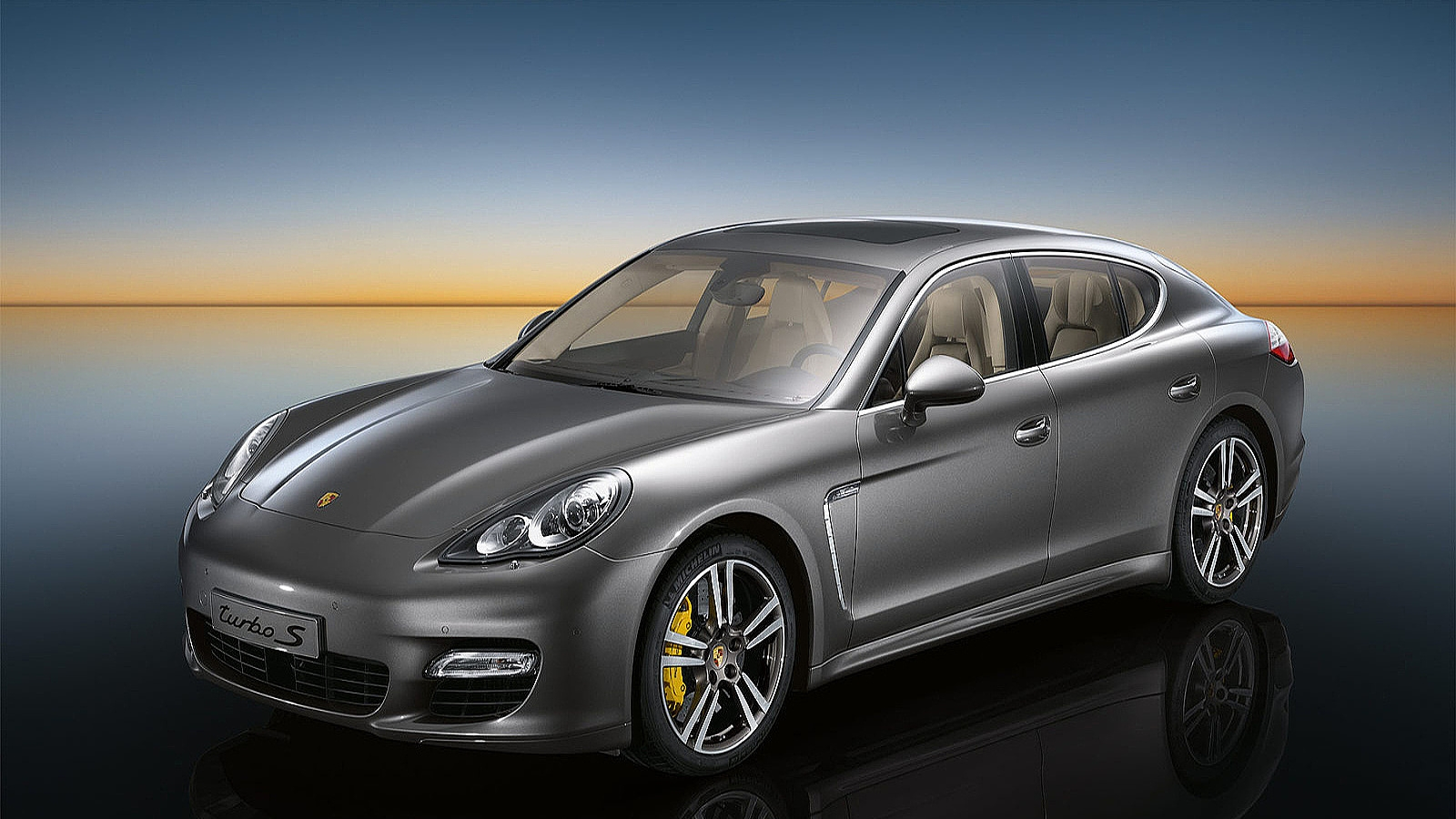 Porsche Panamera Turbo 4wd In Munich Hire Car Rental Pd Cars Com